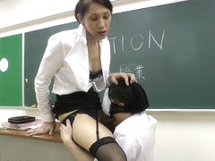 Julia Gives a Schooling - TGirlJapanHardcore