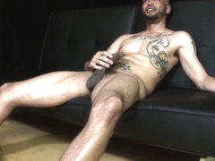 NutsDeepBB jerking his giant black dick