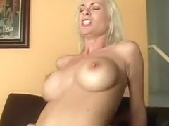 Tight-bodied MILF Brandi Edwards takes a cock and a cumshot in her pussy