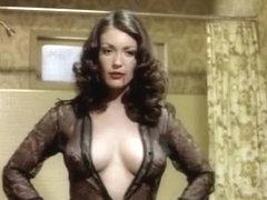 porno-devushka-v-zolotom-plate-iz-setki-staroe-porno