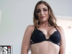 MOFOS - I Know That Girl - Kayla Paris - One Night With Ms Paris