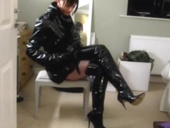 TV Mistress Amanda in shiny PVC & leather