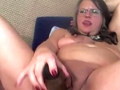 Dirty talking old pleasure goddess with meaty pussy lips