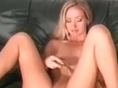 Sexy Horny Hot Body Blonde Chick Gets