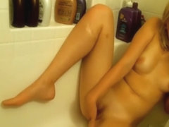 ReeseW phone sex in the tub
