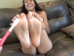 Zainab is Black, German, Filipino, & Spanish Casts her Feet