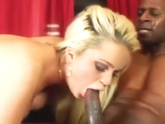 Alexis Ford goes black