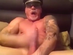 Mature Muscle Daddy Webcam 3