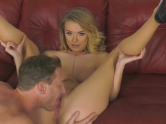 Pregnant naked mom squirting