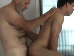 Interracial gay fuck session with a hardcore twist ending