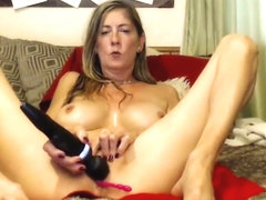 Perfect Milfy Tramp With Hitachi On Cam