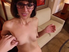 Nerdy sex addict MILF reaches climax during facial