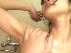 Nami Honda has pussy rubbed in the bathtub