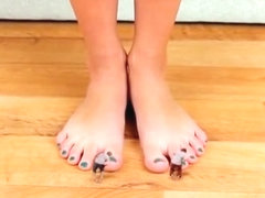 Giantess Alina Makes Slaves Compete In Foot Licking