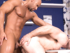 Depths of Focus XXX Video: Sean Zevran, Derek Bolt - FalconStudios