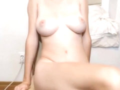 19 Yo blonde nympho on chaturbate