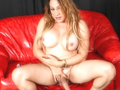 Here Comes Gorgeous Dayana - TGirl40